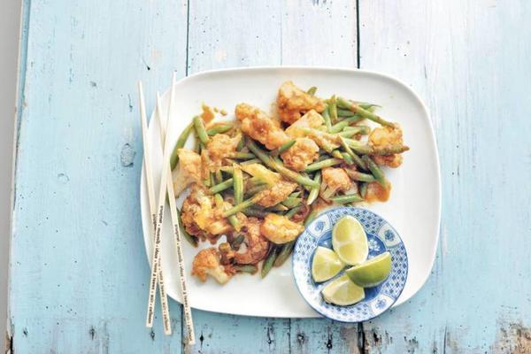 stir-fried cauliflower with red curry