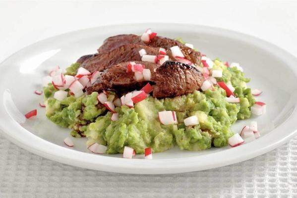 steak with garden pea puree