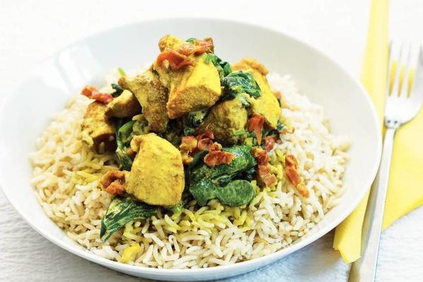 curry chicken with ham and spinach