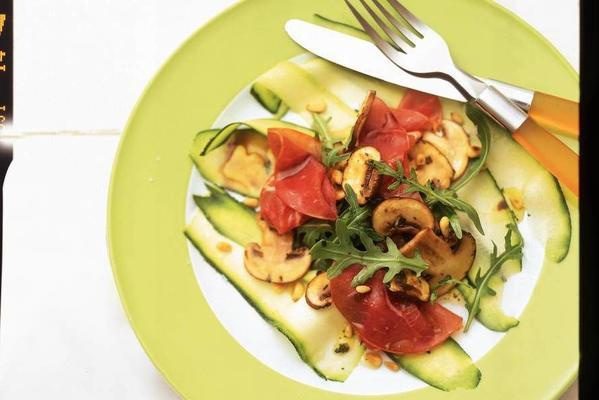 courgette carpaccio with smoked meat