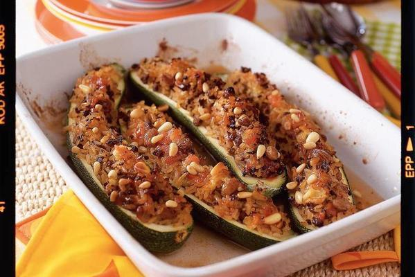 zucchini stuffed with pilaf rice