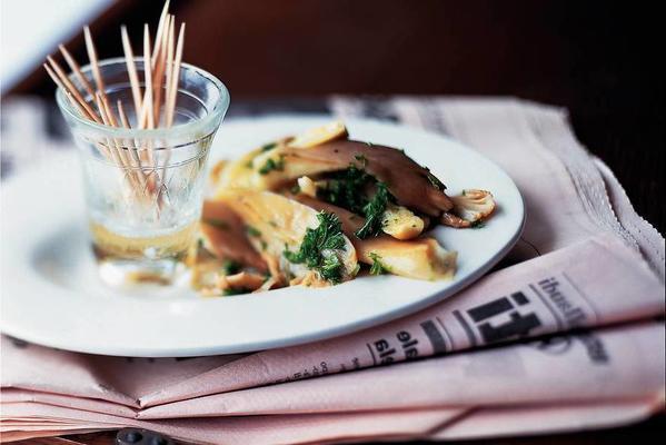 antipasti marinated oyster mushrooms
