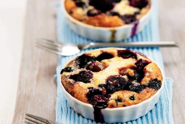 blackberries in baked cream