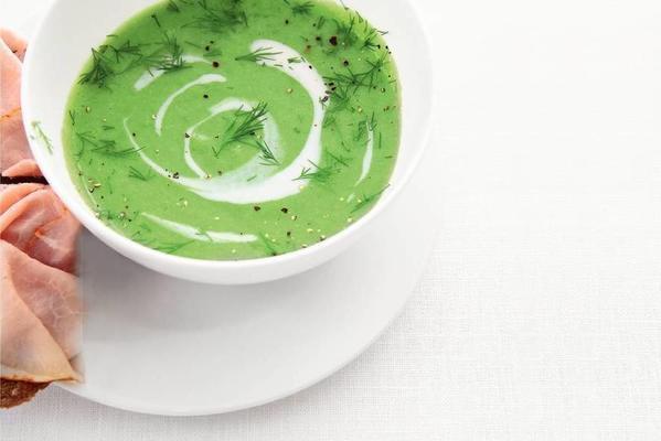 garden pea soup with crème fraîche