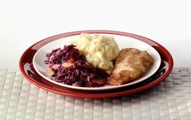 creamy red cabbage with delicious mouth