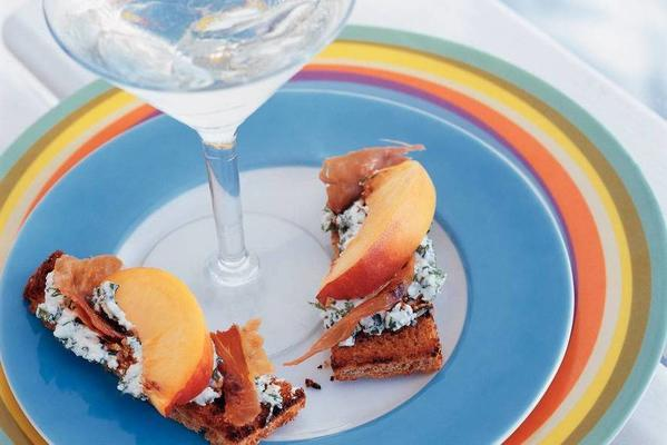toast with nectarine and crispy ham