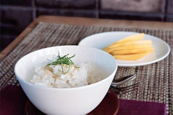 coconut rice with mango and mint