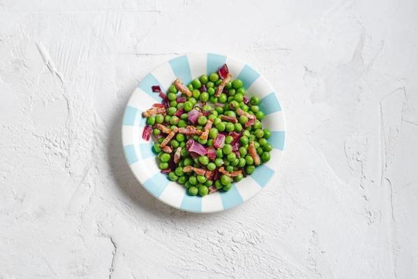 garden peas with bacon