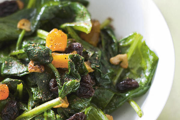 fried spinach with raisins and apricots
