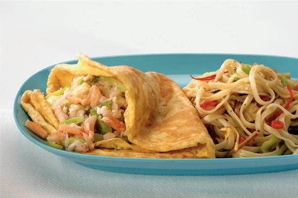 noodles with crab omelette