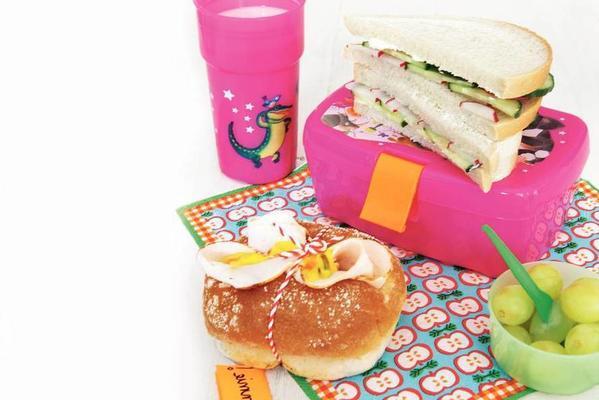 raw food sandwich and chicken sandwich