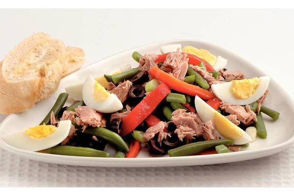 bean salad with grilled peppers