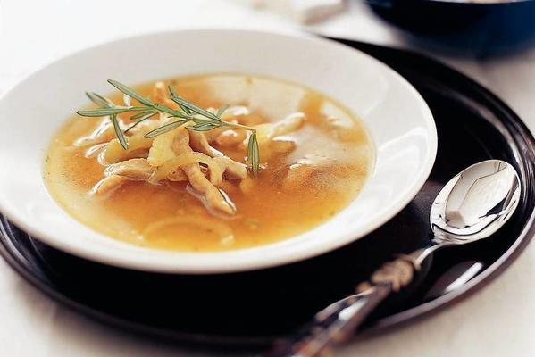 rosemary broth with chicken and fennel