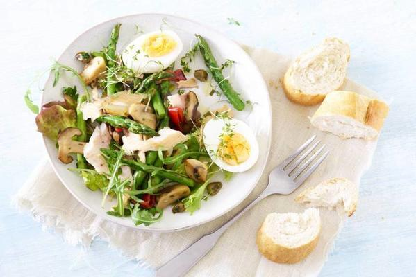salad with smoked trout, asparagus and egg