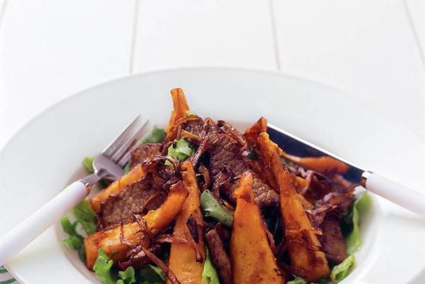 salad of fried pumpkin and steak