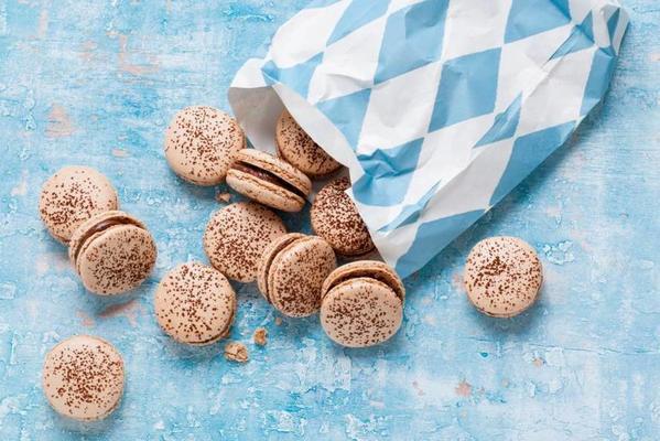 chocolate macaroons with hazelnut paste