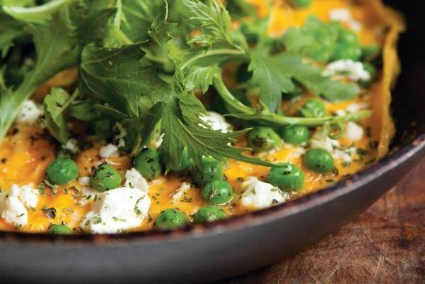 dave myers and si king's omelette with peas, mint and feta