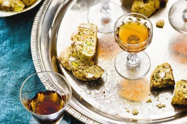 cantuccini with pistachio and fennel seed