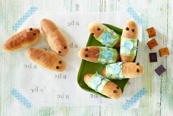 pop-up doll: caterpillars with frankfurters (24 months)