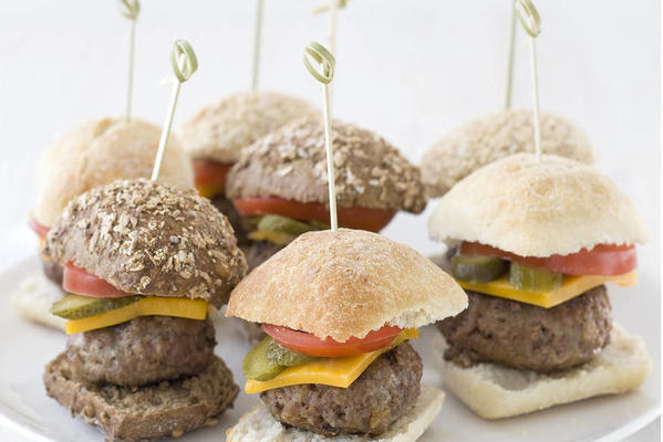 mini cheeseburgers with pickle