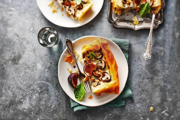 quiche with gorgonzola and fig