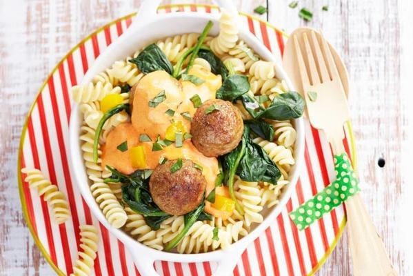 pasta with meatballs in creamy sauce
