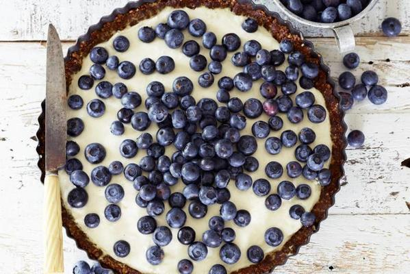 cheesecake with nuts and blueberries