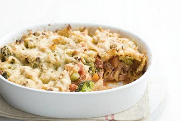 macaroni dish from the oven
