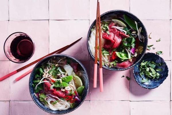 fast pho with noodles and steak