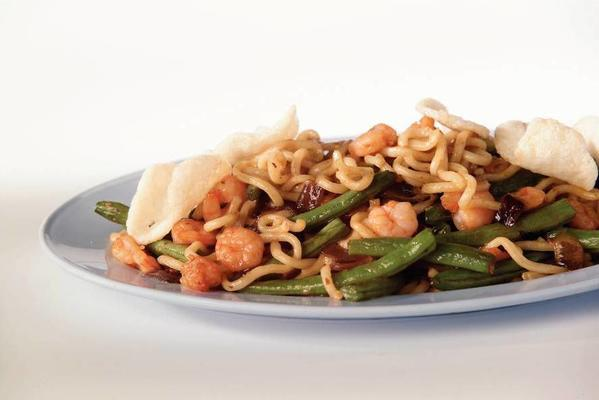 noodles with shrimps