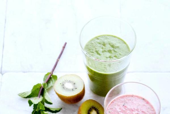 smoothie with kiwi, avocado, corn salad and basil