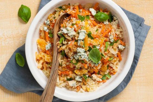 couscous with apricots and cheese