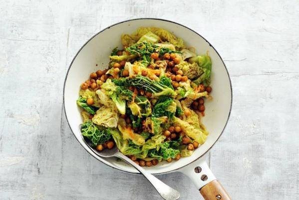 green cabbage with chickpeas