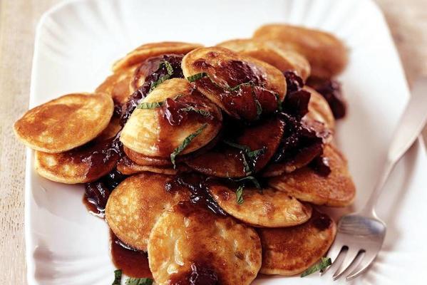 poffertjes with date sauce