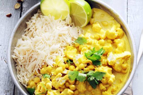 curry with cauliflower, basmati rice and pineapple-almond salsa