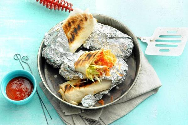 grilled wraps with pulled mackerel