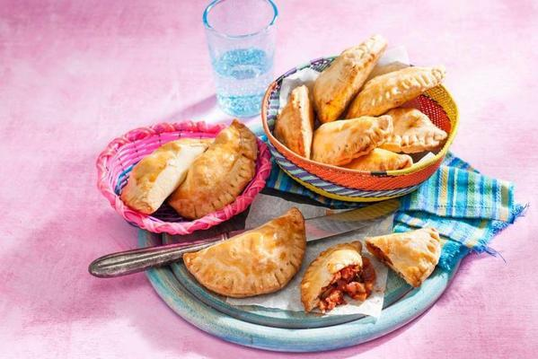 empanadas with chicken and apricots
