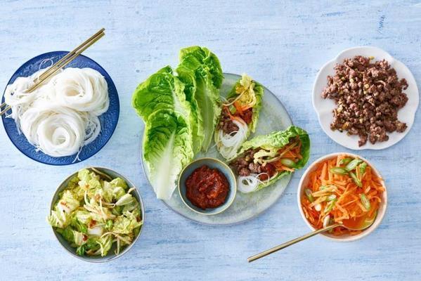 crispy salad wraps with Korean spices