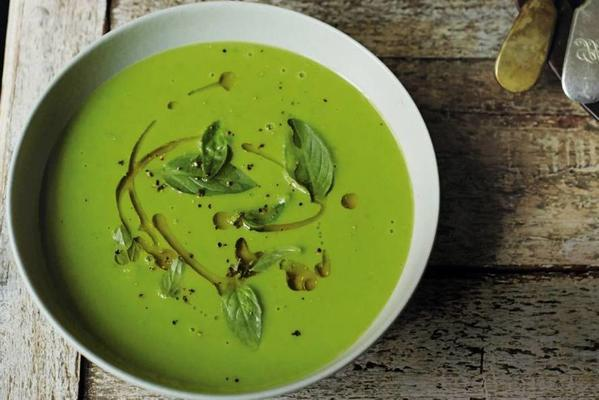 garden pea soup with coconut