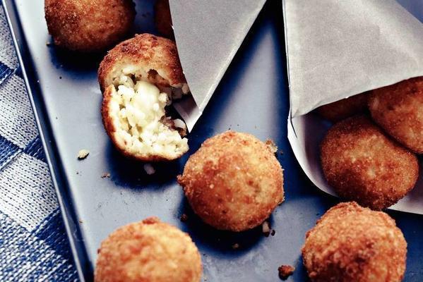 risotto balls with mozzarella