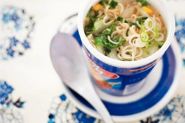cup noodles with bok choy
