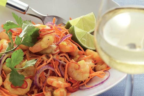 thai carrot salad with tiger prawns