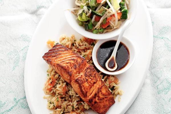 salmon fillet with Chinese herbs and smoked salmon rice