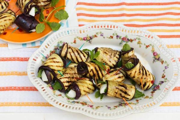 grilled aubergine rolls with mozzarella, mint and red pepper