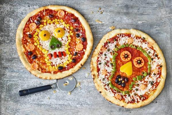 savory skull pizzas