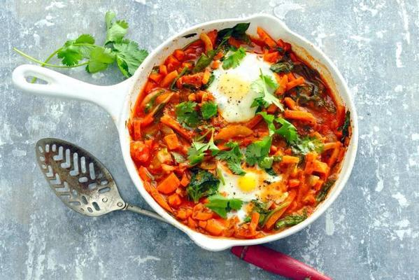 shakshuka with sweet potato and spinach