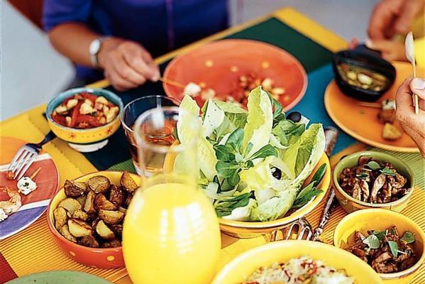 spanish garlic sauce