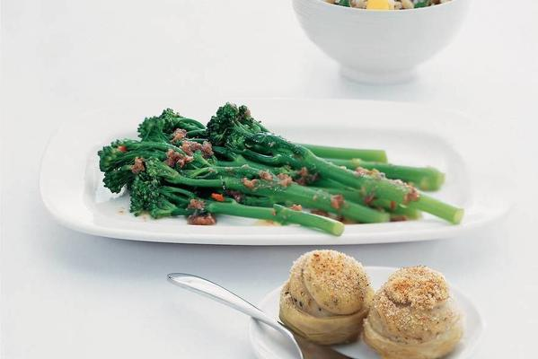 asparagus broccoli with anchovies oil