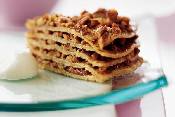 pancake tart with honey-vanilla syrup