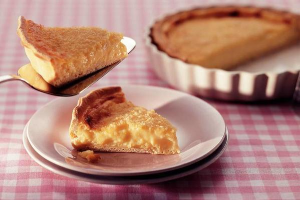 rice pie with coconut topping